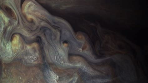 Early science results from Juno spacecraft show 'whole new ...