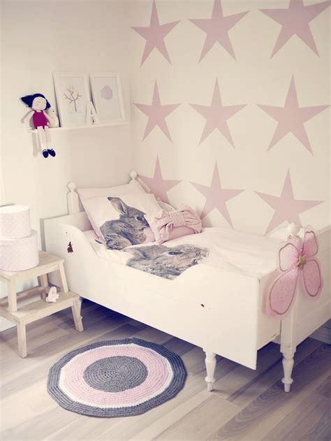 glorious girls bedroom ideas  arent  boring pink