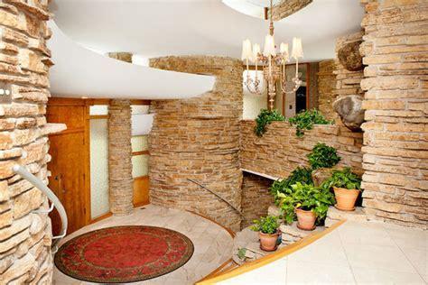 Park Ridge's modernistic Flintstones House