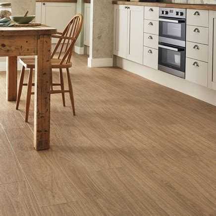 quickstep livyn oak light natural vinyl flooring howdens
