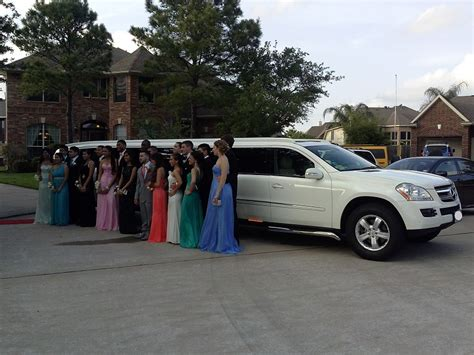 Prom Limo Service by Prom Limo Service Limo Service Houston Limousines
