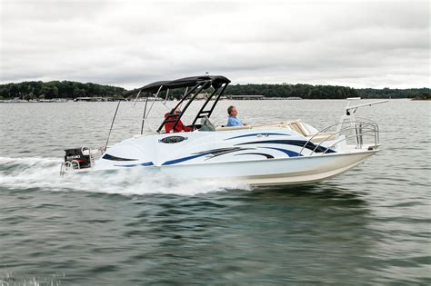 Caravelle Boats Review by Caravelle Razor 258 Fish Boating World