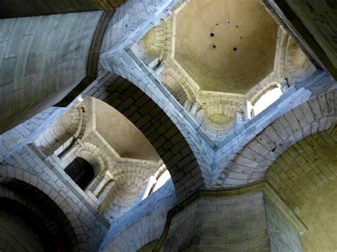 cuisine perigueux front la cathédrale byzantine de périgueux