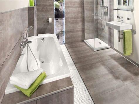 Badgestaltung Fliesen Grau by Fliesen Bad In Grau Home Badezimmer Bad Und Badgestaltung