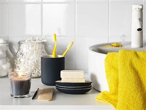 Ikea Badezimmer Becher by Ein Dunkelgrauer Becher F 252 R Die Zahnb 252 Rsten Ekoln