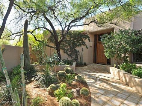 Backyard Desert Landscape Designs by 475 Best Desert Landscaping Ideas Images On