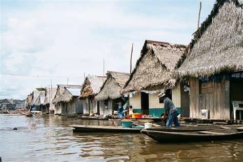 belen iquitos peru floating city floating
