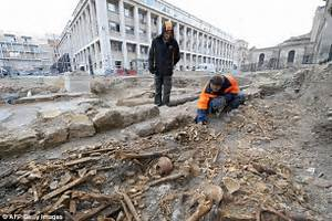 DNA of Black Death plague victims in France shows bacteria ...