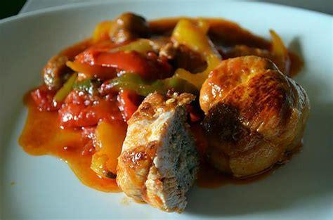 cuisiner des paupiettes de dinde recette de paupiettes de dinde aux poivrons