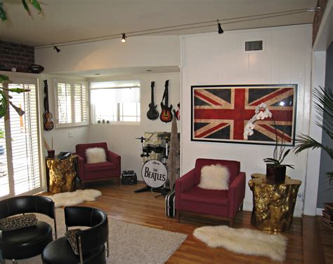 Home N Decor : Rock N' Roll Video Game Room …for Adults
