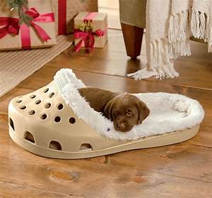 shoe shaped dog bed With shred proof dog bed