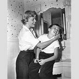 Doris Day And Son | 361 x 450 jpeg 58kB