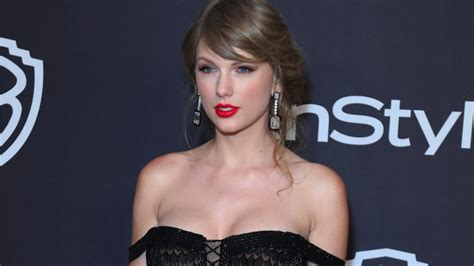 The fans weigh in on Taylor Swift and her Instagram hints