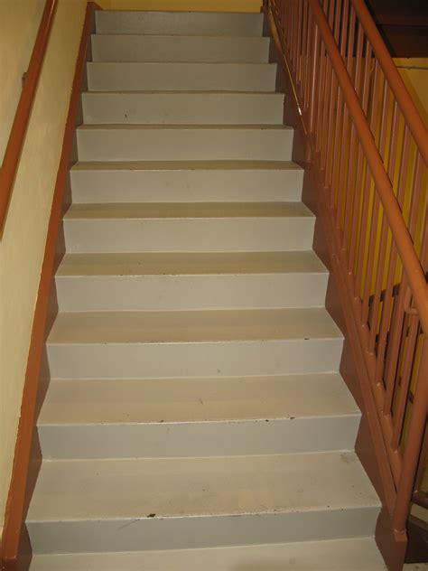 File:Long flight of stairs.jpg - Wikimedia Commons