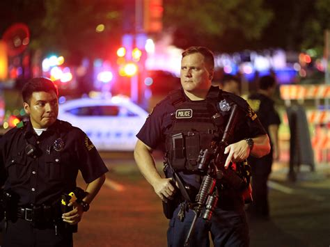Dallas Police Attacked  Dallas Shooting Police Officers