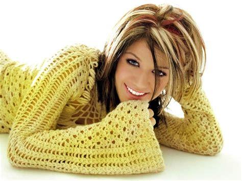 Kelly Clarkson Hair Style