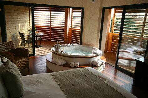 chambre amoureux chambre coloniale chambre la dcoration exotique au buddhabar hotel