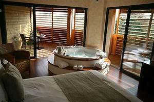 Week end romantique 12 chambres avec jacuzzi prive for Chambre avec jacuzzi privé annecy