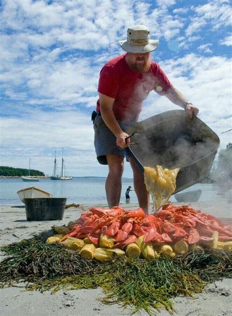Crab or lobster boil | Lobster bake, Clam bake, New england