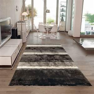 Tapis A Poils Long : tapis poil long funky gris et blanc arte espina 120x180 ~ Teatrodelosmanantiales.com Idées de Décoration