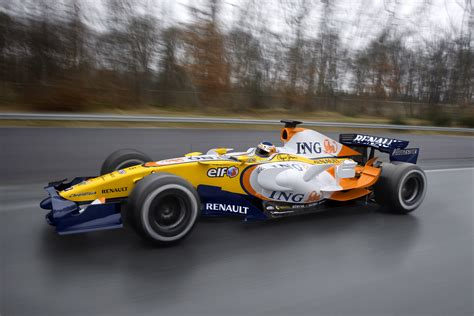 renault f1 video renault reveals its 2008 f1 car the r28 183 f1 fanatic