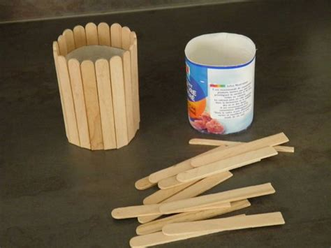 fabriquer un pot 224 crayon bonne id 233 e les b 226 tons de popsicle id 233 e activit 233