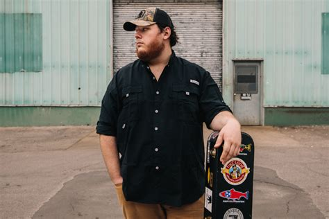 "Luke Combs Lets Go Of A ""neon Dream"""