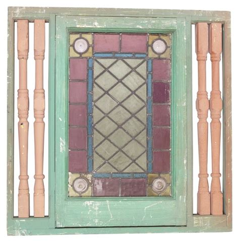 These diy vintage inspired window pane decor is an easy way to get your fix! How to Decorate With Antique Window Panes | Home Guides | SF Gate