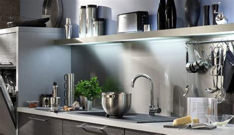 quelle couleur de credence pour cuisine blanche quelle crédence et quelle couleur au mur pour une cuisine