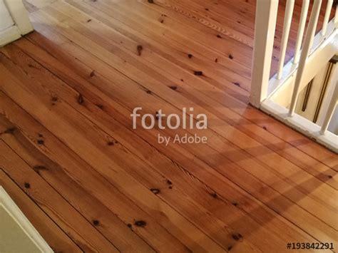 Holzdielen Traditioneller Bodenbelag Mit Modernem Komfort by Holzdielenboden