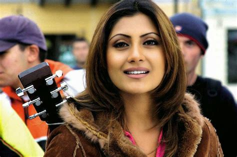 Wellcome To Bollywood HD Wallpapers: Rimi Sen Bollywood ...