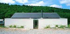 une maison construite dans la pente architecture aveyron With la maison dans la colline