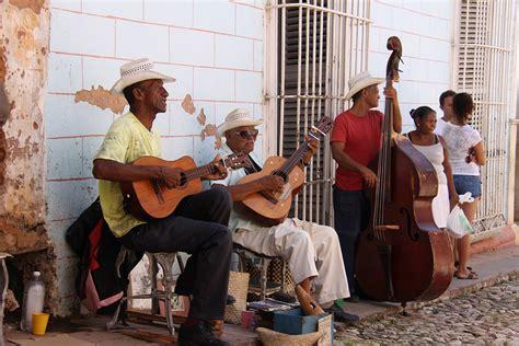Музыка кубы (ru) historia de la música en cuba (es); Cuba's Music Revolution: From Son to Reggaetón - Culture-ist
