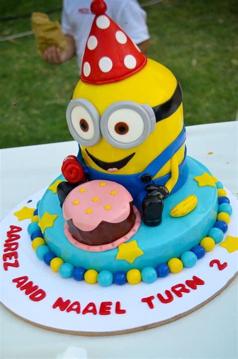 List of stunning minions cake design image ideas that can inspire you to have custom cake designs for upcoming birthdays. my twins 2nd birthday minion cake! | Minion cake, Birthday, Cake