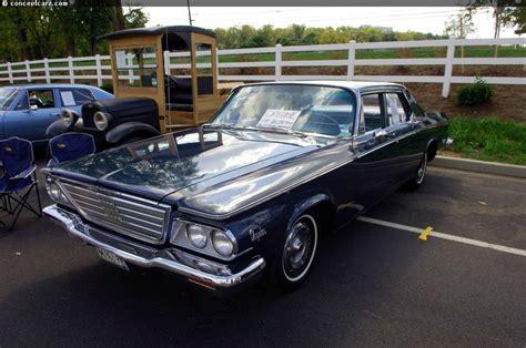 1972 Chrysler Newport Royal Hardtop GrnWht WG111712 - YouTube