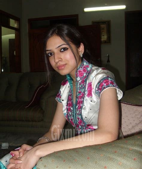 Pakistan Hot Girls From Pakistan With Lover And Many More Lesbo School Girl