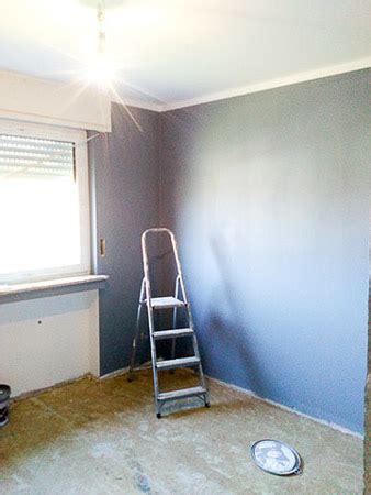 Zuerst Decke Oder Wand Streichen by Decke Streichen Zuerst An Der Decke Streichen