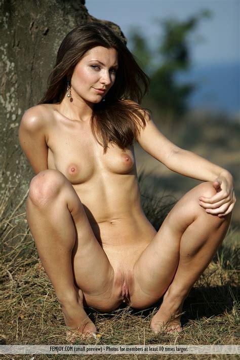 Alessa D In Under The Tree By Femjoy 16 Photos Erotic
