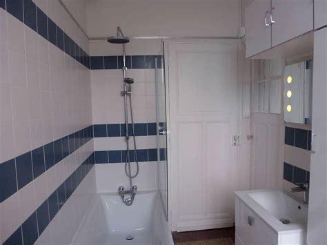 1 an 3 salles de bain 1 bleu et blanc