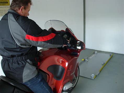 Motorrad Einparkhilfe Garage by Quot Motorradport Quot Einpark Rangiehilfe F 252 R Motorr 228 Der Biete