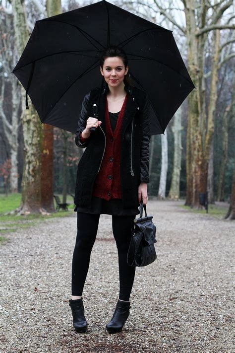 Rainy day outfit ) | Outfit  Fall/Winter Inspiration | Pinterest | Tights outfit Work outfits ...