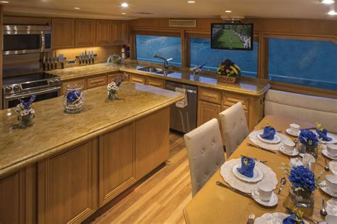 kellys country kitchen yacht charter motor boat ritzy charters 2079