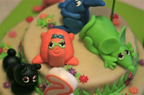 comment colorer la pate d amande comment decorer un gateau d anniversaire avec de la pate d amande les recettes populaires