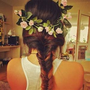Cute fishtail braid with the flower crown | Flower crown ...