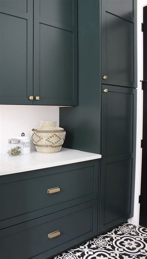colors     phase  kitchen cabinets