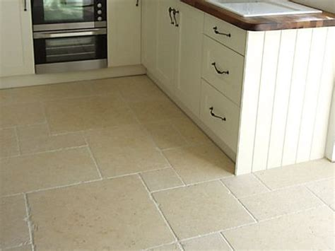 kitchen with travertine floors 171 best images about limestone tiles on 6556