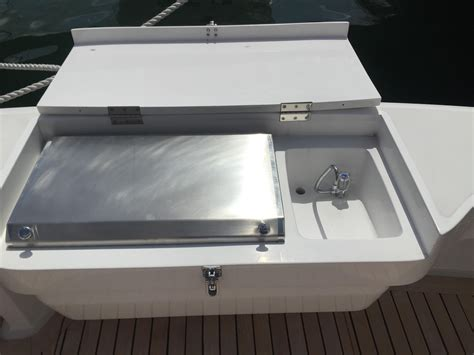 Boat Cockpit Grill by 2001 Viking Yachts 50 Convertible For Sale