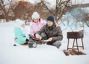 Grillparty Im Winter : bild 5 winteraktivit ten eine grillparty ~ Whattoseeinmadrid.com Haus und Dekorationen
