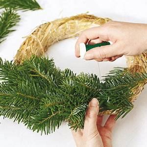 Weihnachtskranz Selber Machen : adventskranz selber machen wie binde ich einen kranz ~ Markanthonyermac.com Haus und Dekorationen