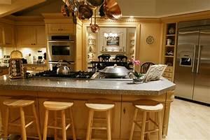 Family Van De Kamps Residence On Desperate Housewives Kamp ...